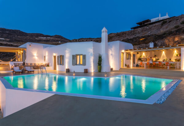 Rent a luxury villa on Mykonos Greece